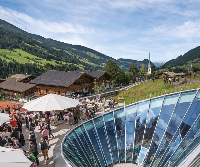 2-Congress Centrum Alpbach, Ansicht CCA Dorf, Fotocredit Senfter, hd